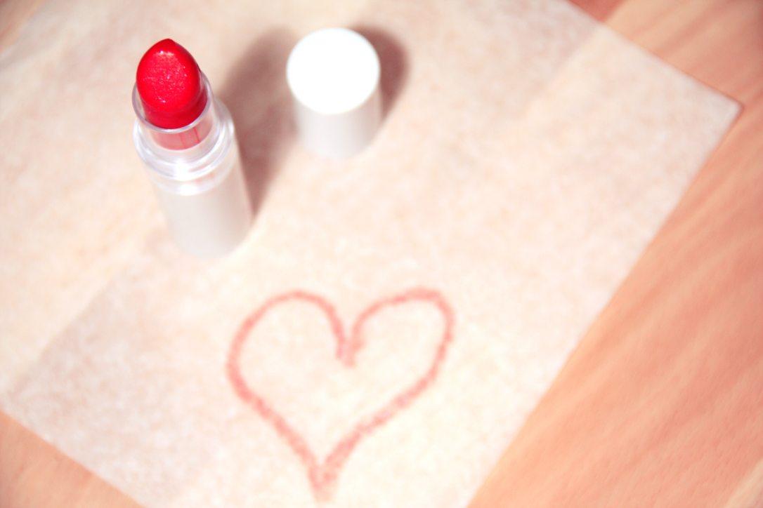 beauty-heart-lipstick-3144